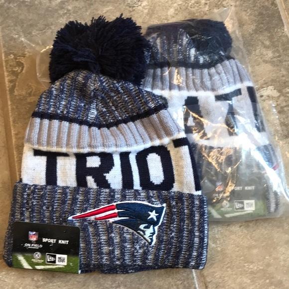 a221981e  Patriots Pom knit cap NWT